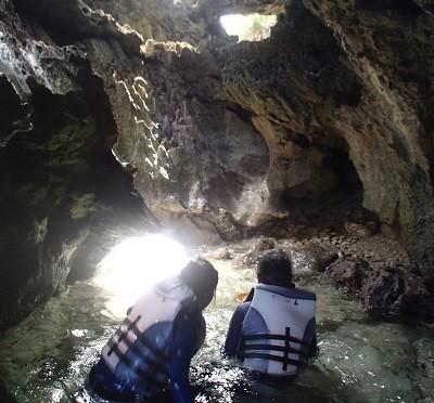 ジャングルトレッキング神秘の滝&青の洞窟探検